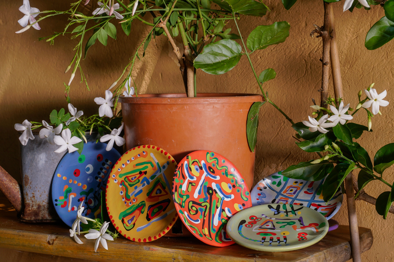 Piatti decorati a mano di A. Intelisano
